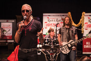 Dee Snider is Coming to Town